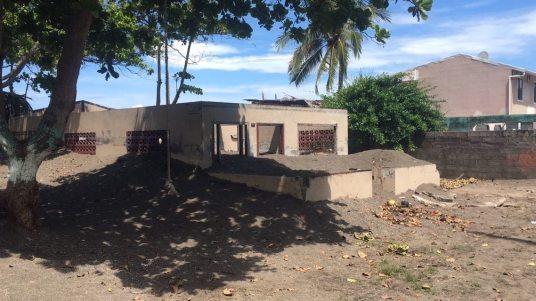 Tumultos de arena han impedido que las casas de los vecinos de Caldera terminen inundadas.