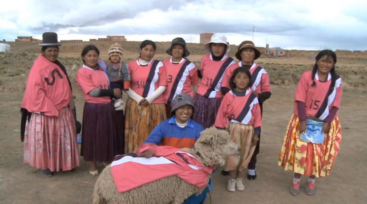 cholitas-still2