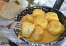 Albóndigas de bacalao salsa curry