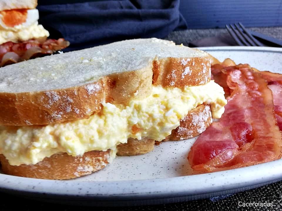 Como hacer el sándwich de huevo más famoso de Instagram