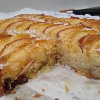 Torta o bizcocho de manzana y pasas