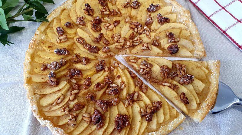 Pastel alemán con manzana y frutos secos