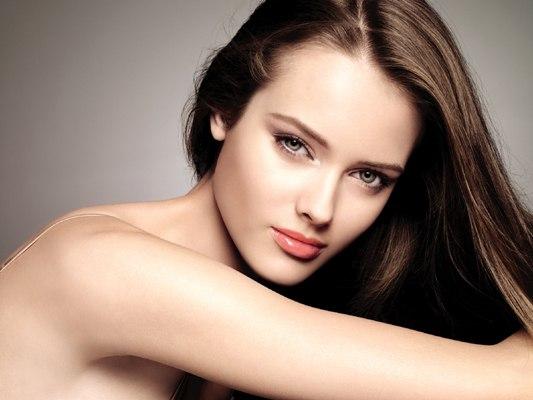 Emergency Tips From Celebrity Makeup Artist Maria Verel