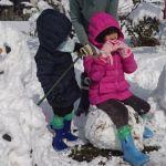 雪遊びの一休み
