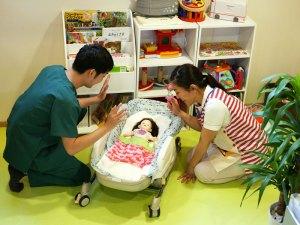子供さんを連れた方でも安心して施術が受けられるようにキッズルームを常設しております