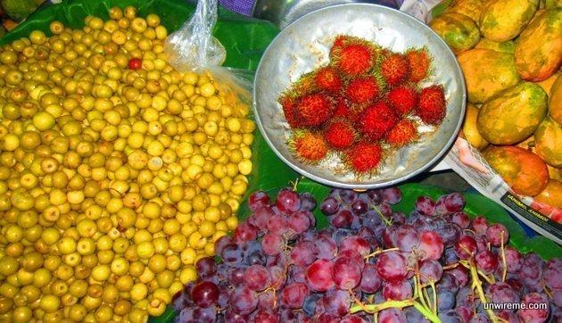 lichas, mangos, grapes, nances