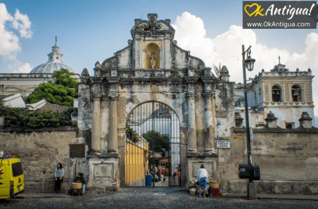 Main entrance to san francisco church