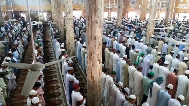 juma tul wida nawafil Masjid Gulzaar e Habeeb Allamah Kaukab Noorani Okarvi