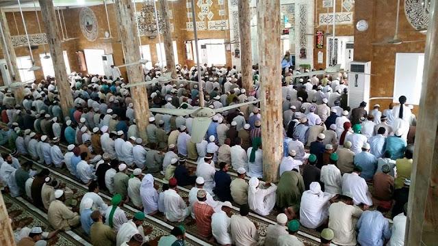 Jumatul Widaa- 7-17-2015-Jaame Masjid Gulzaar e Habeeb Allamah Kaukab Noorani Okarvi