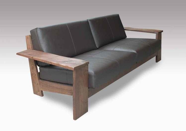 ウォールナットソファーの斜め写真