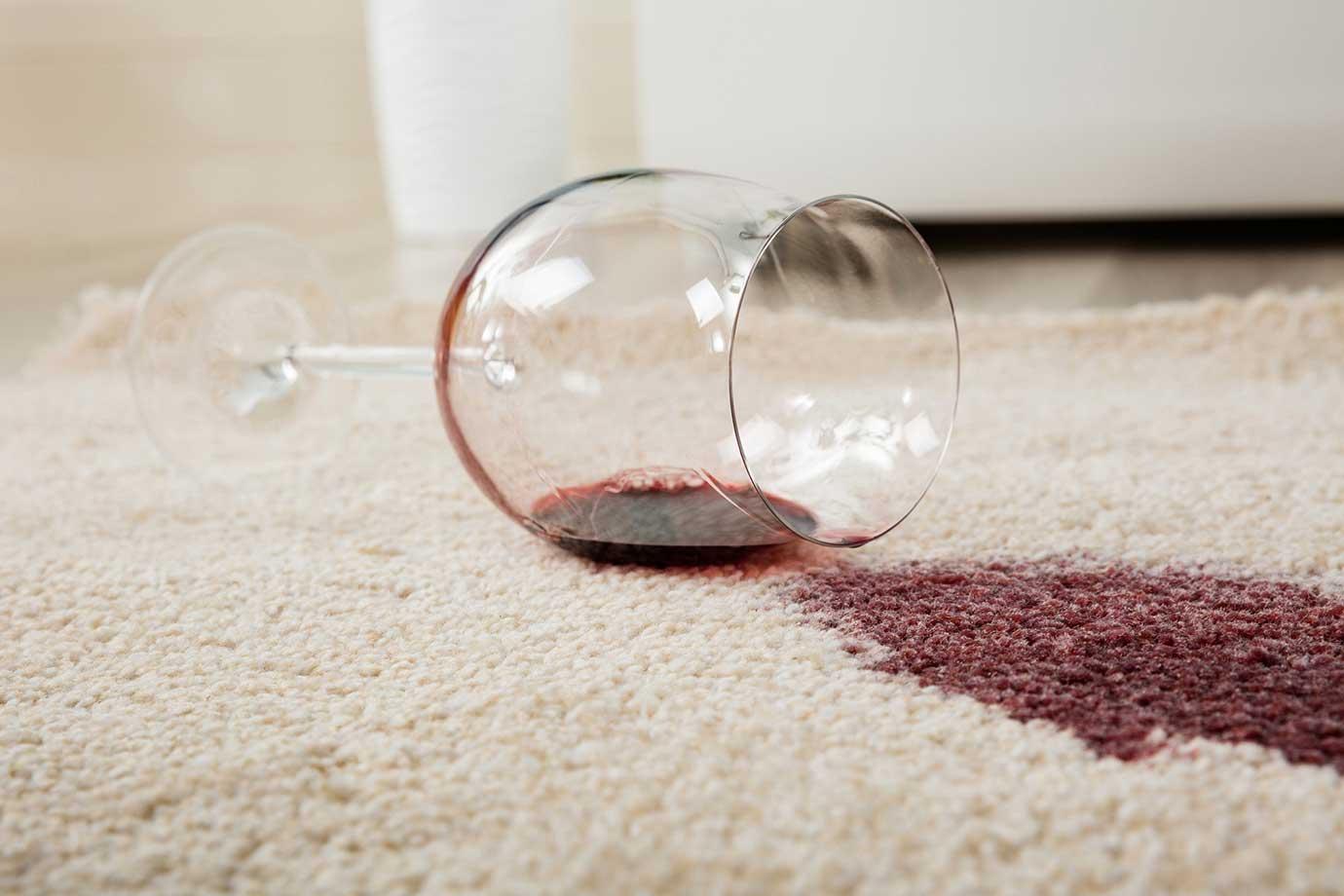 comment enlever les taches de vin sur