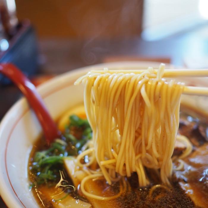 【月のうつわ 鶴形店】ラーメン麺