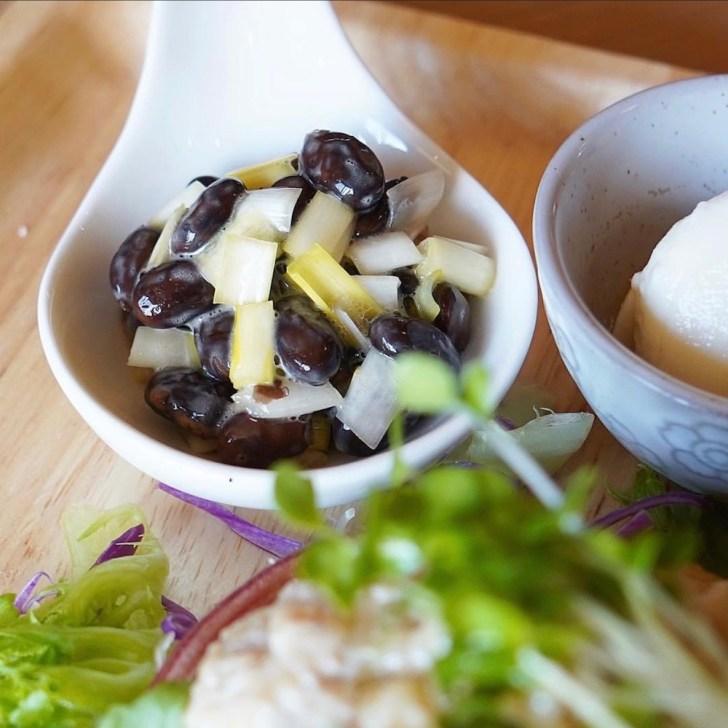 【D'otto caf'e】黄ニラと黒豆納豆