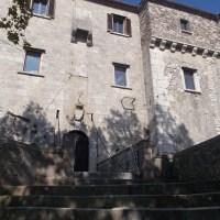 PESCOLANCIANO (MOLISE): NELL'ANTICO CASTELLO D'ALESSANDRO A RACCONTARE DEL MARTIRE ALESSANDRO E DI CAVALIERI TEMPLARI…
