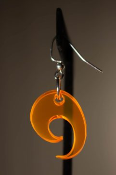 La Flamme Dangle Earring