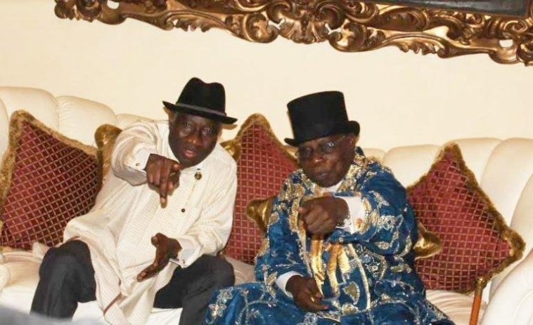 Jonathan Hosts Obasanjo in Otuoke