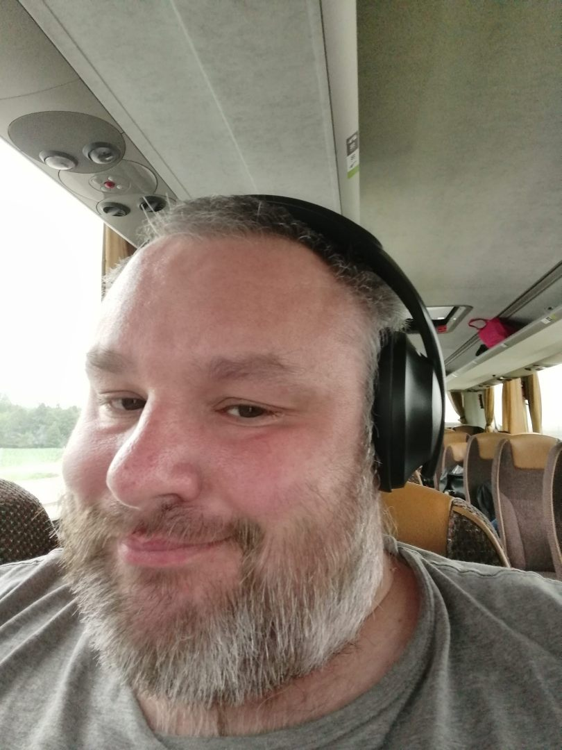 Słuchawki Bose NCH 700 na trollu