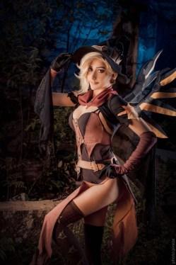 [コスプレ,Overwatch] 魔女のコスプレをするマーシーさんのコスプレ画像 (6)
