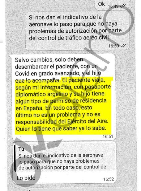 Cadena de mensajes intercambiados entre Camilo Villarino y el teniente general.