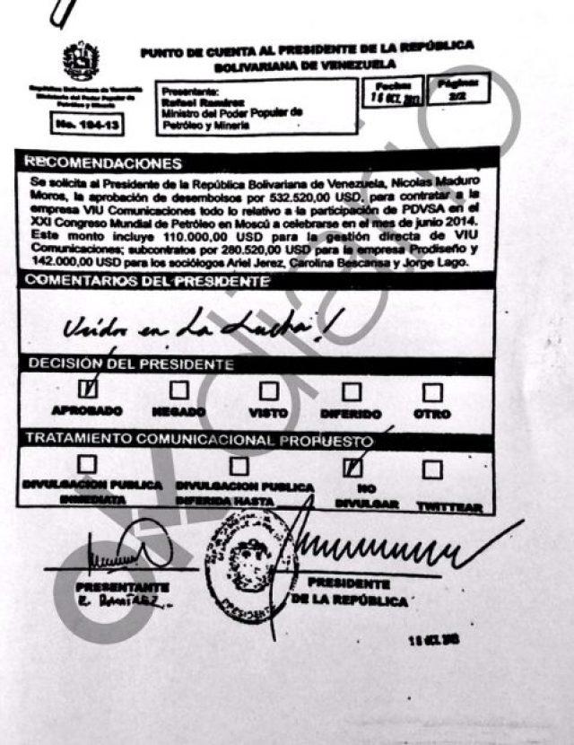 """Nicolás Maduro firmó un contrato para desviar fondos a miembros de Podemos. El documento señalaba: """"¡Unidos en la lucha!""""."""