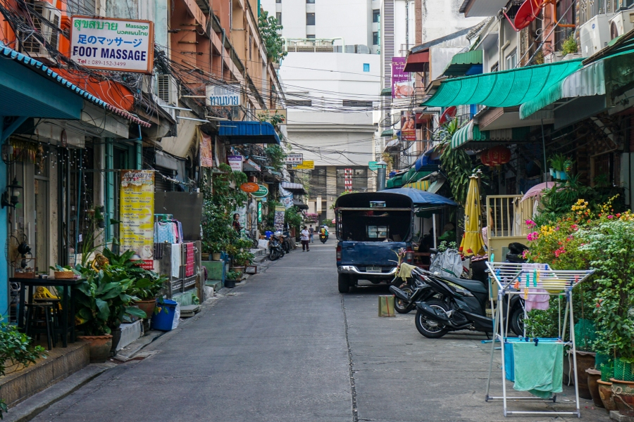 Charoen Krung Soi 44, in Bang Rak, Bangkok has a ton of massage parlors.