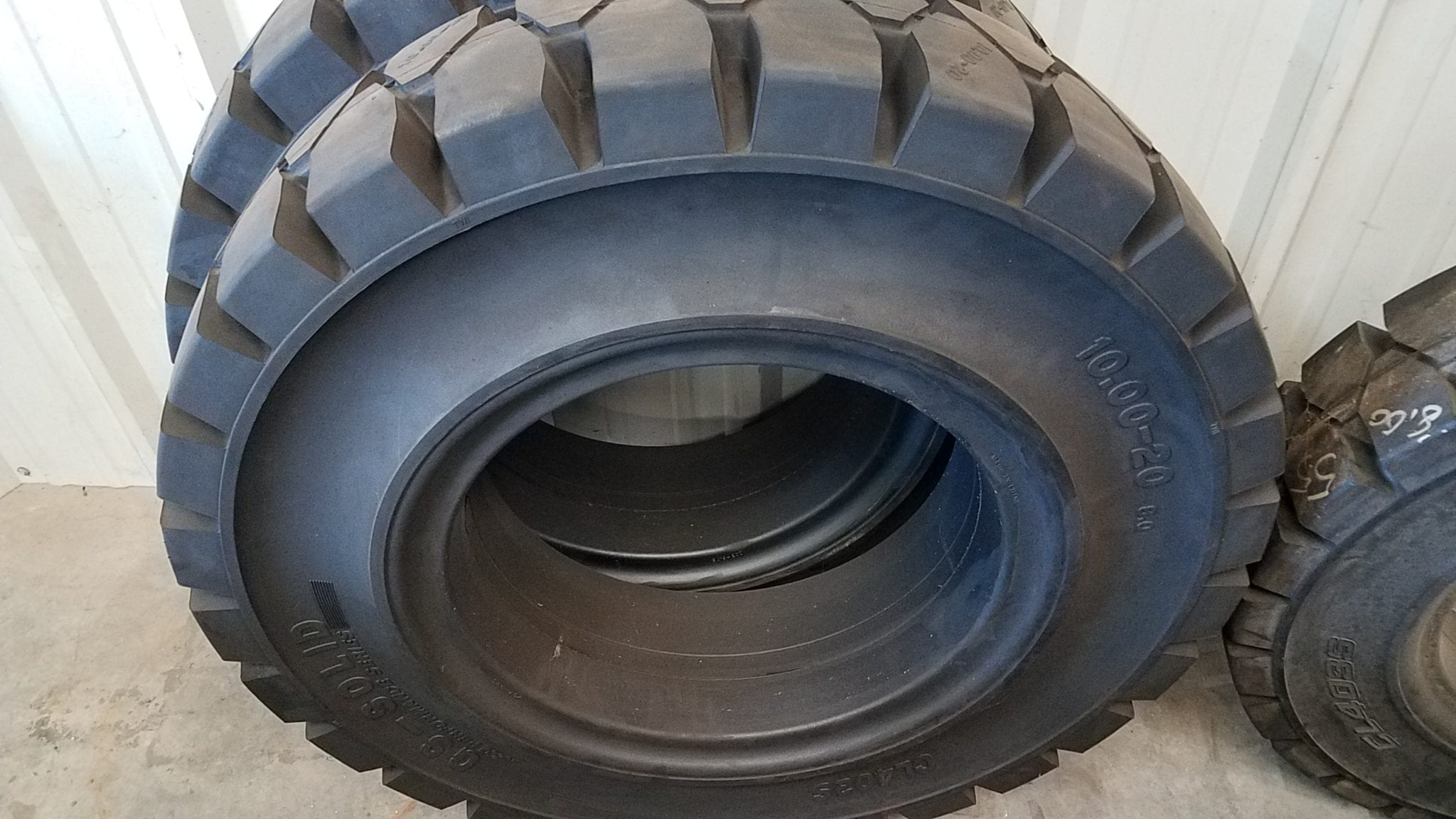 15 X 5 X 11.25  Forklift Tire Rubber Traction