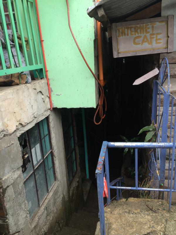 Sagada, miasto, tu zamiast internetu masa komputerów z grami
