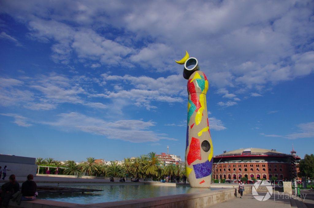 Joan Miro w Barcelonie - Kobieta i Ptak