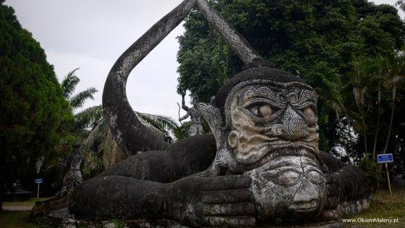 Park Buddy, Laos