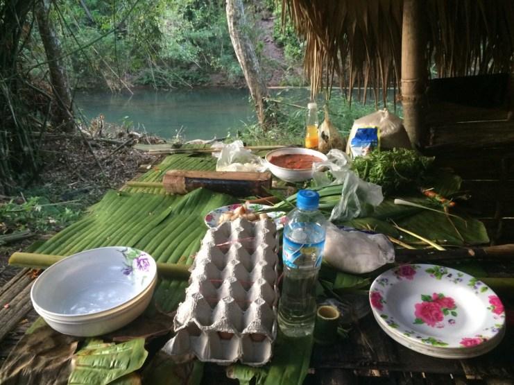 Laos, gotowanie podczas trekingu