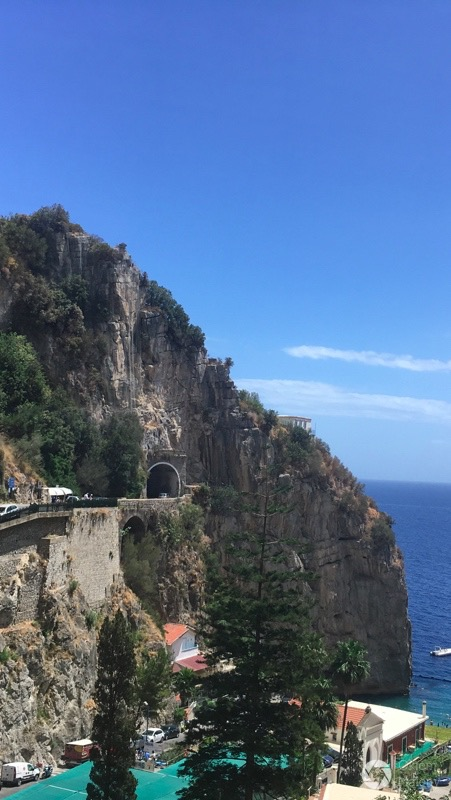 wybrzeże amalfitańskie - widok z okiem autobusu