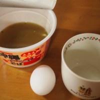 手軽に出来て美味しいと話題のカップ麺茶碗蒸を沖縄そばで作ると美味しいのか試してみた