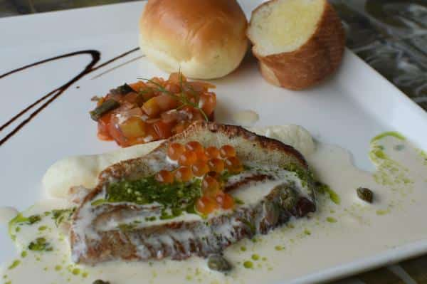 white fish Cafe y