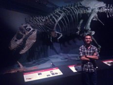 Me with a replica of the Wankel T-rex (2nd largest complete T-rex structure)