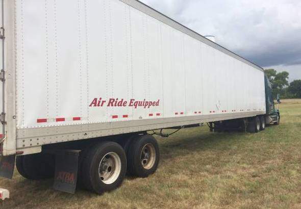 US Trailer Rental Sales Lease and Storage Buys Rents and Repairs All Commercial Trailers Reefers Flatbeds and Dry Vans image_20171206_043848_54