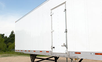 US Trailer Rental Sales Lease and Storage Buys Rents and Repairs All Commercial Trailers Reefers Flatbeds and Dry Vans image_20171206_043850_96