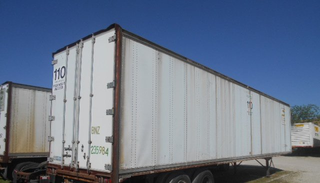 US Trailer Rental Sales Lease and Storage Buys Rents and Repairs All Commercial Trailers Reefers Flatbeds and Dry Vans image_20171206_043851_99
