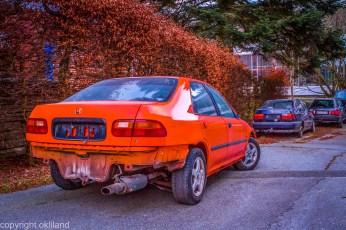 gammel bil i sandnes oransj