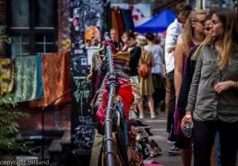 Bilde Søndagsmarkedet på Blå av Ørjan Liland