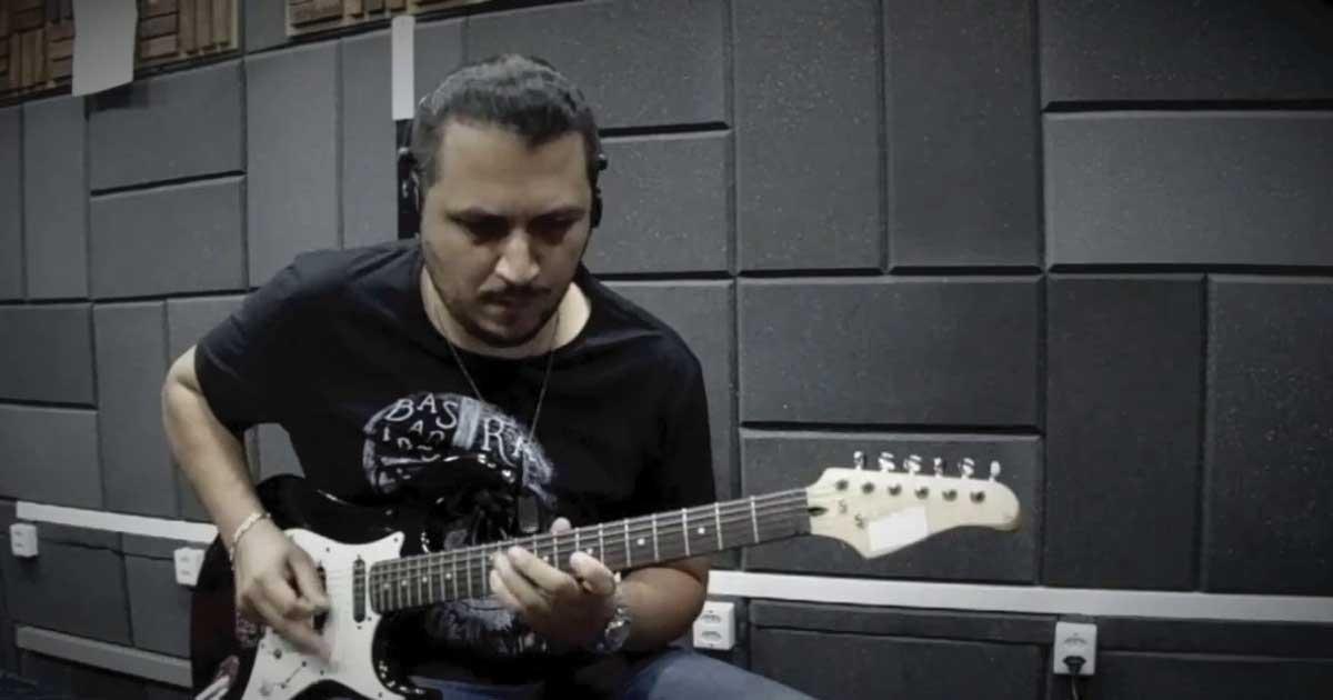 Guitarrista Eduardo Lira conta os planos para 2021