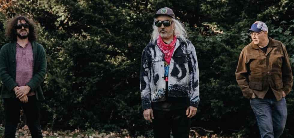 Dinosaur Jr. divulga single inédito; novo álbum sai em abril