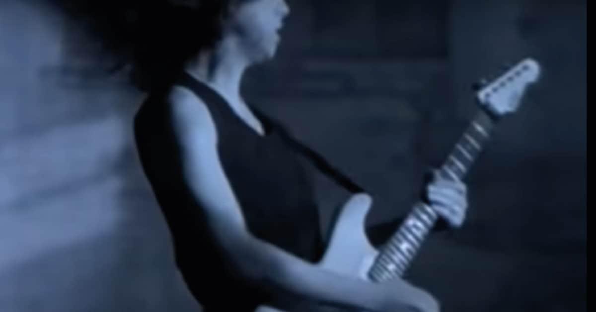 Guitarra usada por Kirk no clipe de One do Metallica vai a leilão