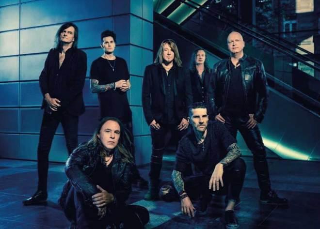 Helloween primeiro disco da formação com sete integrantes