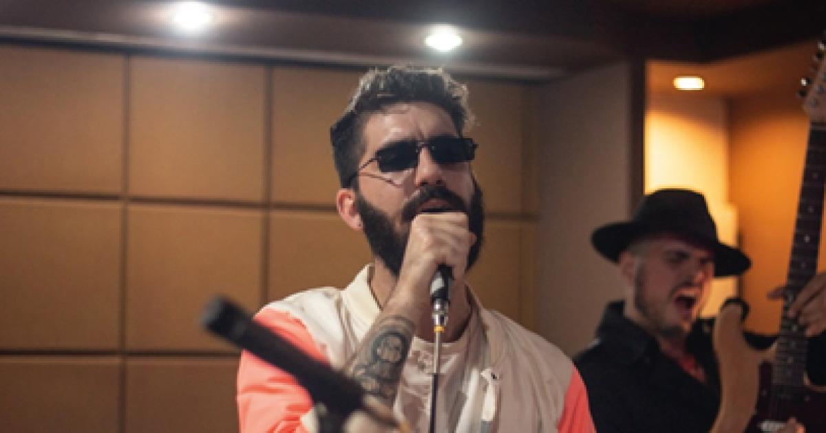 """NDK lança versão ao vivo de """"Vesta"""" com Rodrigo Edo"""