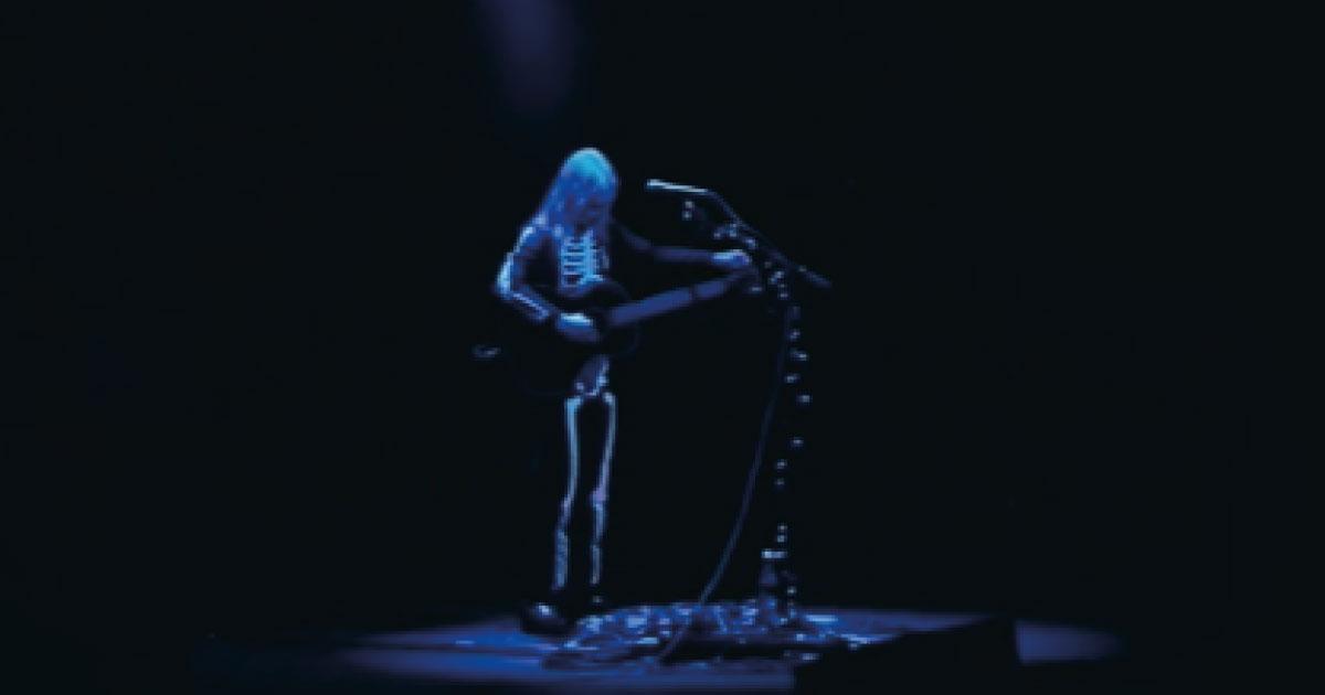 "Phoebe Bridgers libera lança gravação de ""That Funny Feeling"", cover de Bo Burnham"