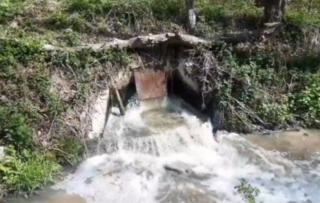 Dramat małopolskich rzek, niefiltrowane ścieki z oczyszczalni i przedsiębiorstw