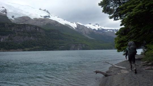Hodanje uz Lago del Desierto