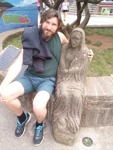 La Viuda je biće iz chilotanske mitologije, visoka mršava žena koja noću traži muškarce. Zarobljava ih svojim dahom i iskorištava kako bi zadovoljila svoje seksualne potrebe. Luka joj se baš i nije svidio :)