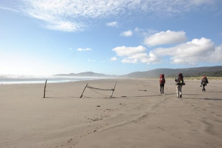 Po ovoj ogromnoj plaži popadajući kroz pijesak hodali smo preko dva sata