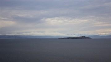 Isla de la Luna - prema legendi Inka bog Viracocha je upravo na ovom mjestu naredio mjesecu da izađe.